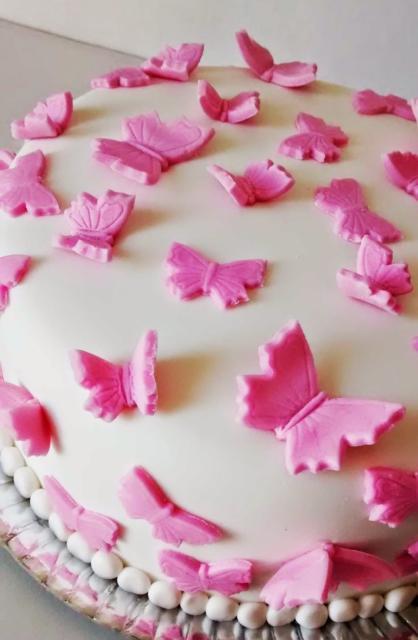 As borboletas podem ser feitas de pasta americana