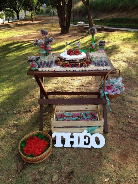 Festa no parque: decoração para chá de bebê com mini table