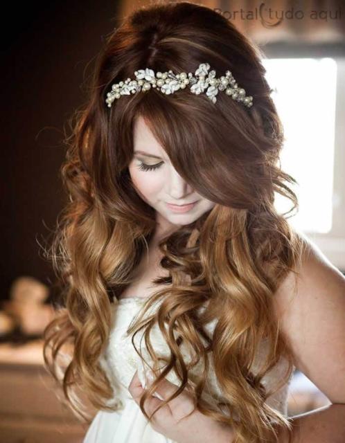 Penteados para 15 anos: Com tiara