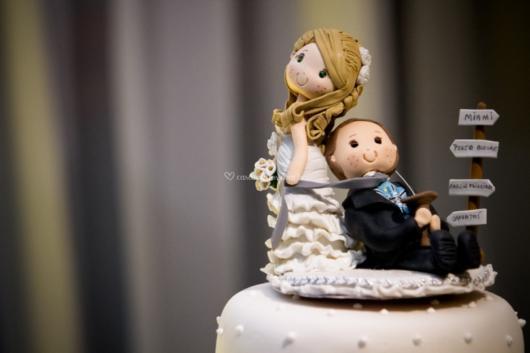 Topo de bolo fofinho e engraçado para casamento