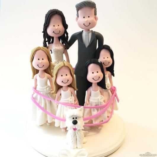 Dica de topo de bolo com noivos e filhas!