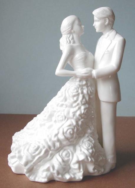 Topo de bolo sofisticado em porcelana
