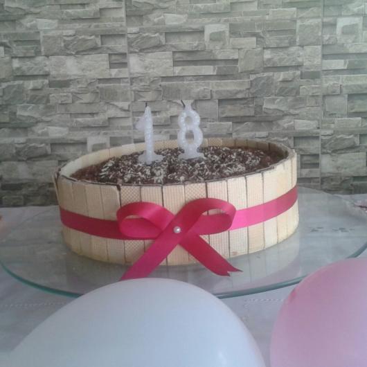 O bolo de seu aniversário pode ser enfeitado com wafer