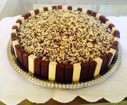 O Bis é uma ótima ideia para decorar bolos simples