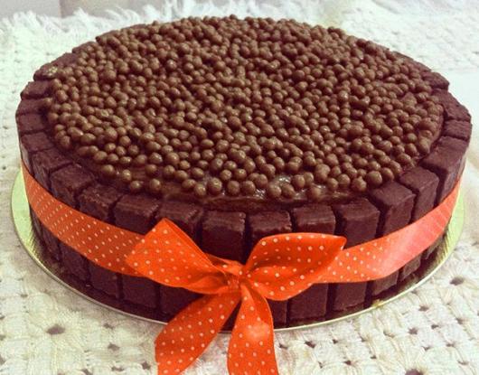 bolo decorado com biscoito bis