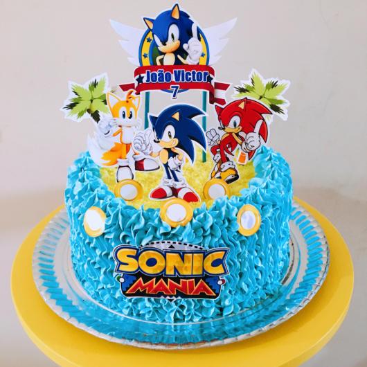 O personagem deve ter total destaque no bolo, assim como os seus amigos