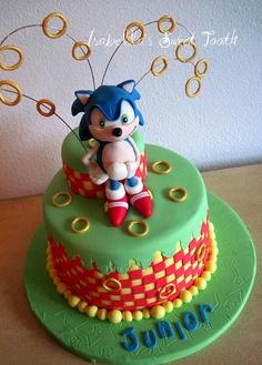 Os detalhes ficam tão perfeitos que nem dá vontade de cortar o bolo