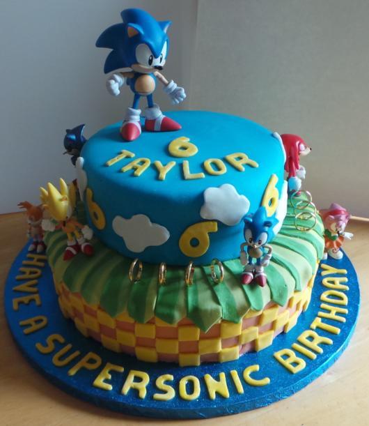 Os detalhes fazem toda a diferença e deixam o bolo impecável