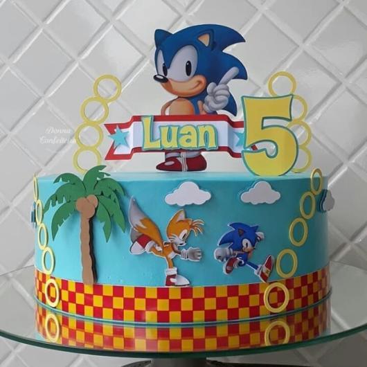 O bolo cenográfico também é uma ótima opção para a sua festa