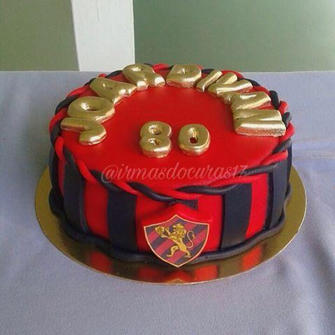 Para os torcedores veteranos do Sport, um lindo bolo redondo para uma festa surpresa