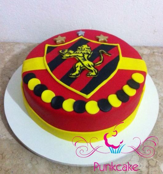 Capriche nos detalhes para deixar seu bolo lindo para a festa