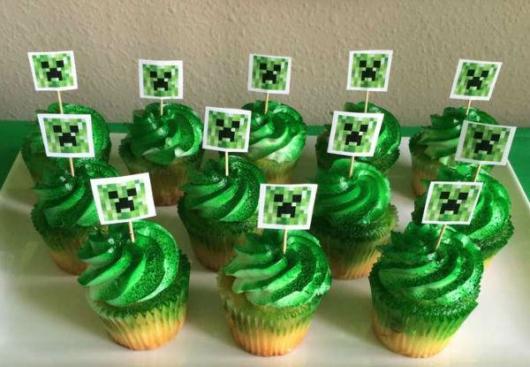 Essa massa verde diferencia o cupcake Minecraft de outras versões