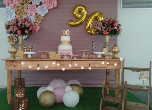A festa anos 90 luxo também é uma alternativa incrível para quem ama comemorações sofisticadas