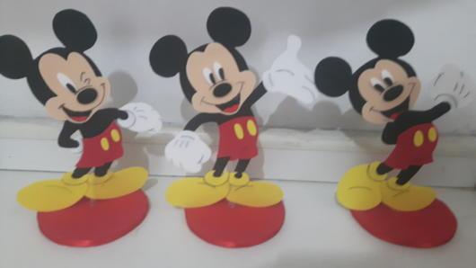 Você pode confeccionar o próprio Mickey usando EVA