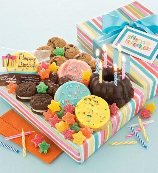 Festa na caixa infantil: com doces coloridos