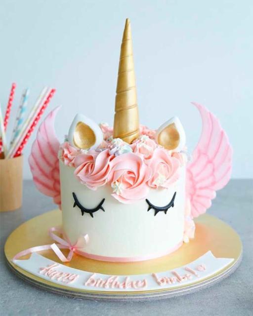 Festa surpresa na caixa infantil: bolo Unicórnio
