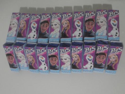 Bis personalizado com o encarte de Frozen, que tal?