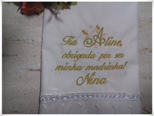 Toalha bordada especial para madrinha