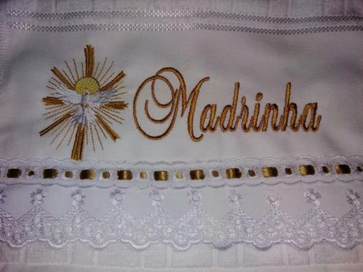 Bordado para madrinha com símbolo do Sagrado Coração