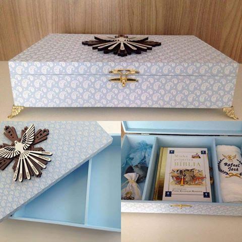 Caixa decorada com símbolo do sagrado coração