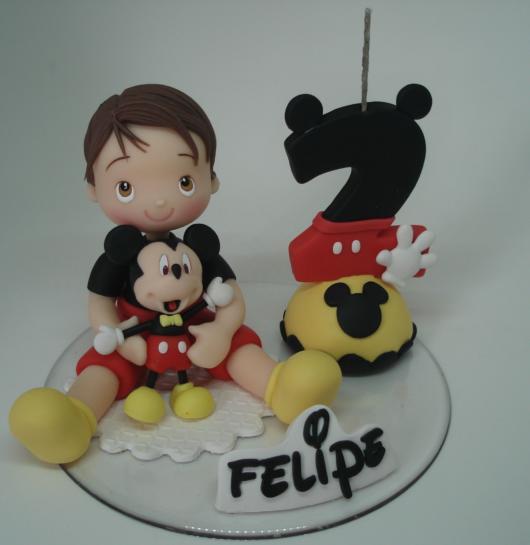 Você pode apostar até em um biscuit em homenagem ao aniversariante, combinando com o Mickey