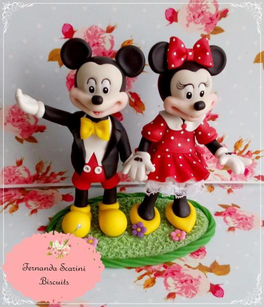 Um topo perfeito e todo detalhado com o casal mais famoso da Disney