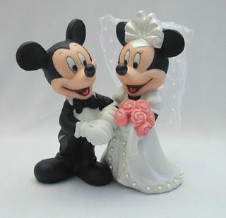 Que tal uma ideia diferente e conceitual para seu bolo de casamento?