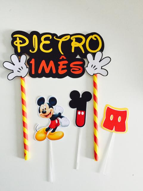 Topo de papel customizado para o primeiro mesversário