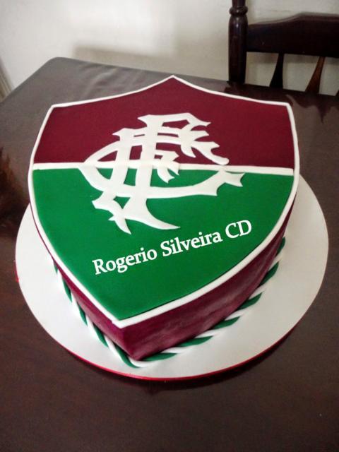 Uma versão bem original e conceitual do bolo do Fluminense