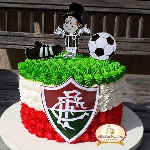 Lindo mini bolo para uma comemoração a dois, o que acha?