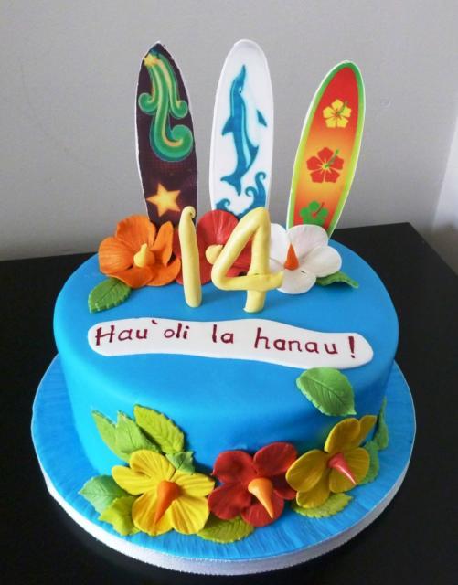 Bolo temático havaiano