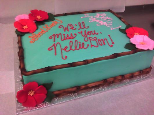 bolo havaiano com flores