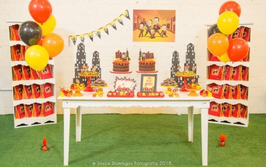 Uma decoração intimista para uma festa improvisada ou um mesversário