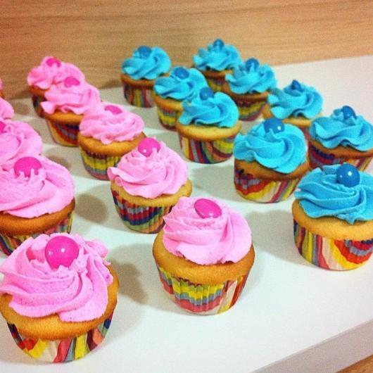 Lindos cupcakes coloridos, com certeza os convidados vão amar