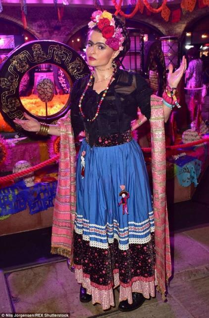 Fantasia frida kahlo: com saia azul