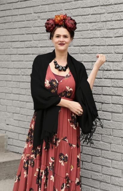 Fantasia frida kahlo: com vestido vermelho