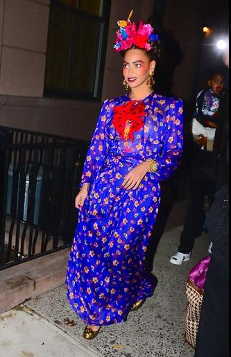 Fantasia frida kahlo: com vestido azul