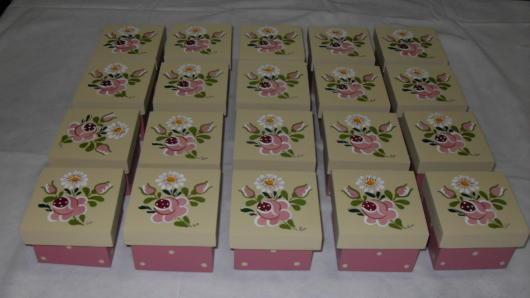 Caixinhas personalizadas com flores