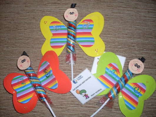 lembrancinhas de borboleta com pirulito bastão