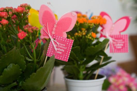 lembrancinhas de borboleta com planta