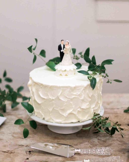 Mini wedding: bolo com noivinhos
