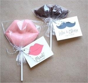 Mini wedding: pirulito de chocolate lembrancinha