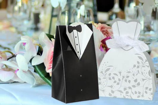 Mini wedding: saquinhos personalizados para lembrancinha