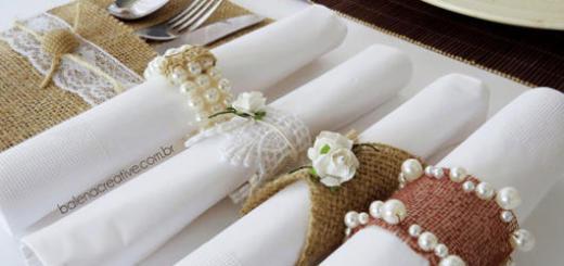Você pode usar diversos modelos de porta-guardanapo nas mesas de sua festa
