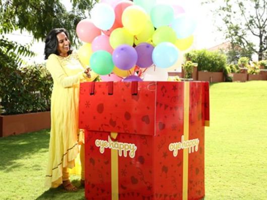 Surpresa para namorada: caixa surpresa com balões