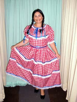 Vestido de festa junina: longo vermelho
