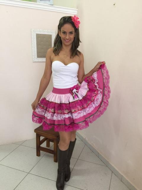 Vestido de festa junina: moderno com tomara que caia