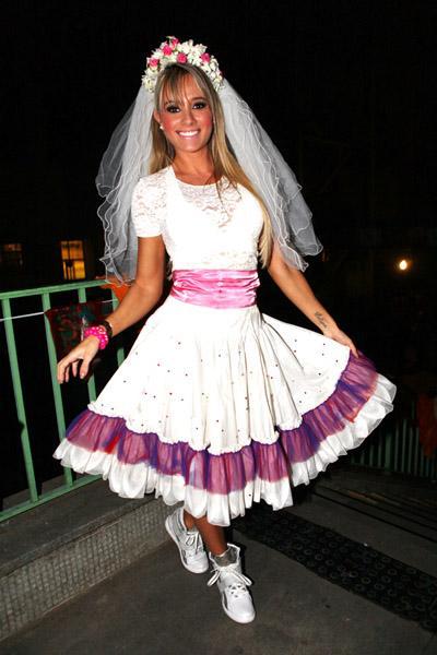 Vestido de festa junina: noiva rosa e branco