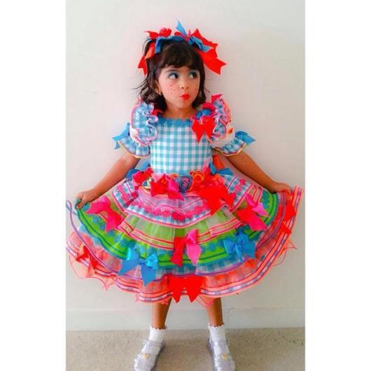 Vestido de festa junina: infantil com laços