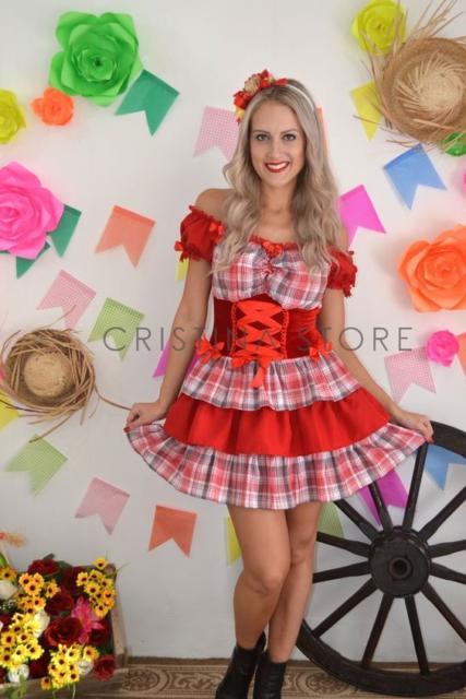 Vestido de festa junina: curto xadrez vermelho